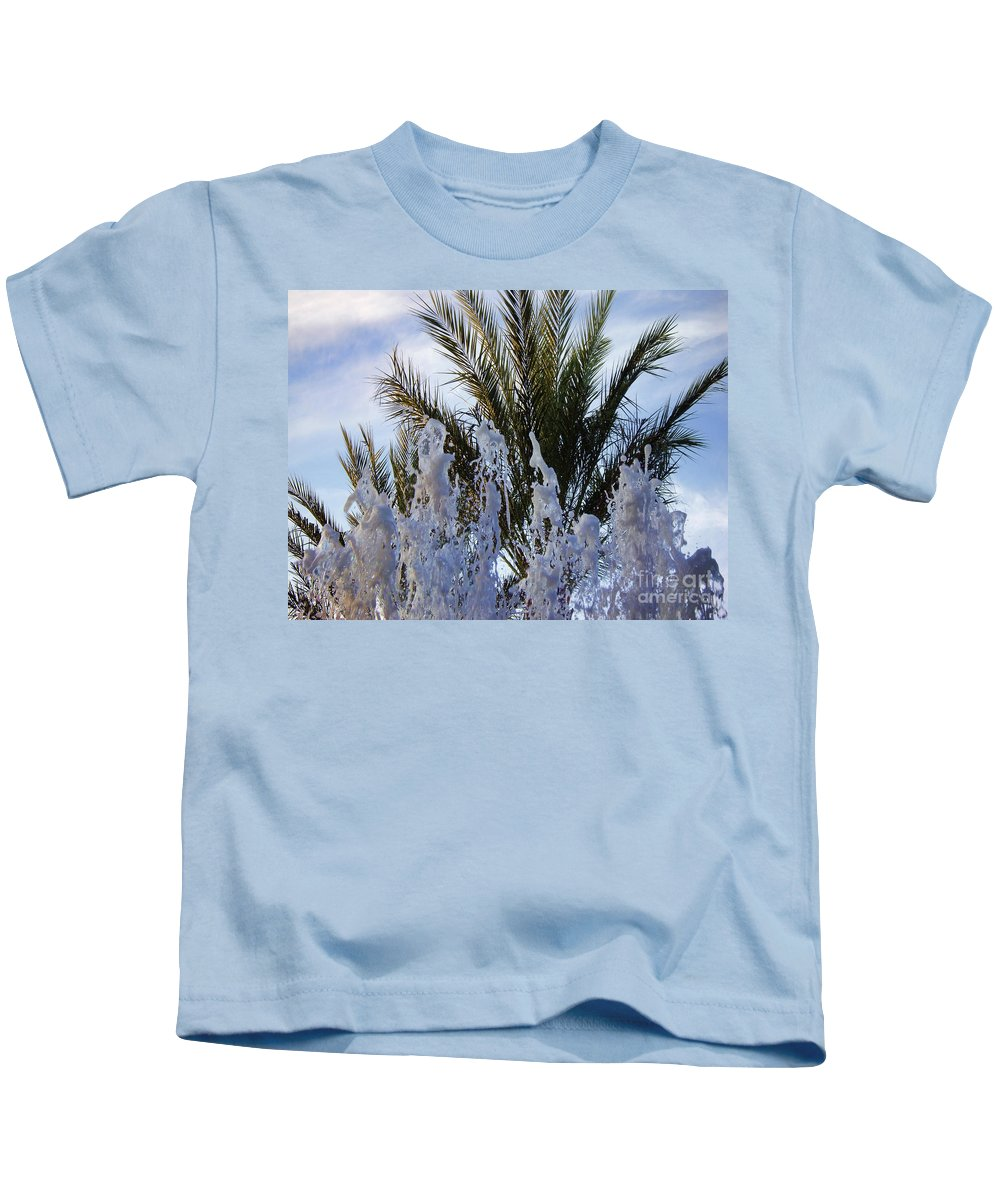 Palm Tree Kids T-Shirt featuring the photograph Dancing Fountain by Mariola Bitner