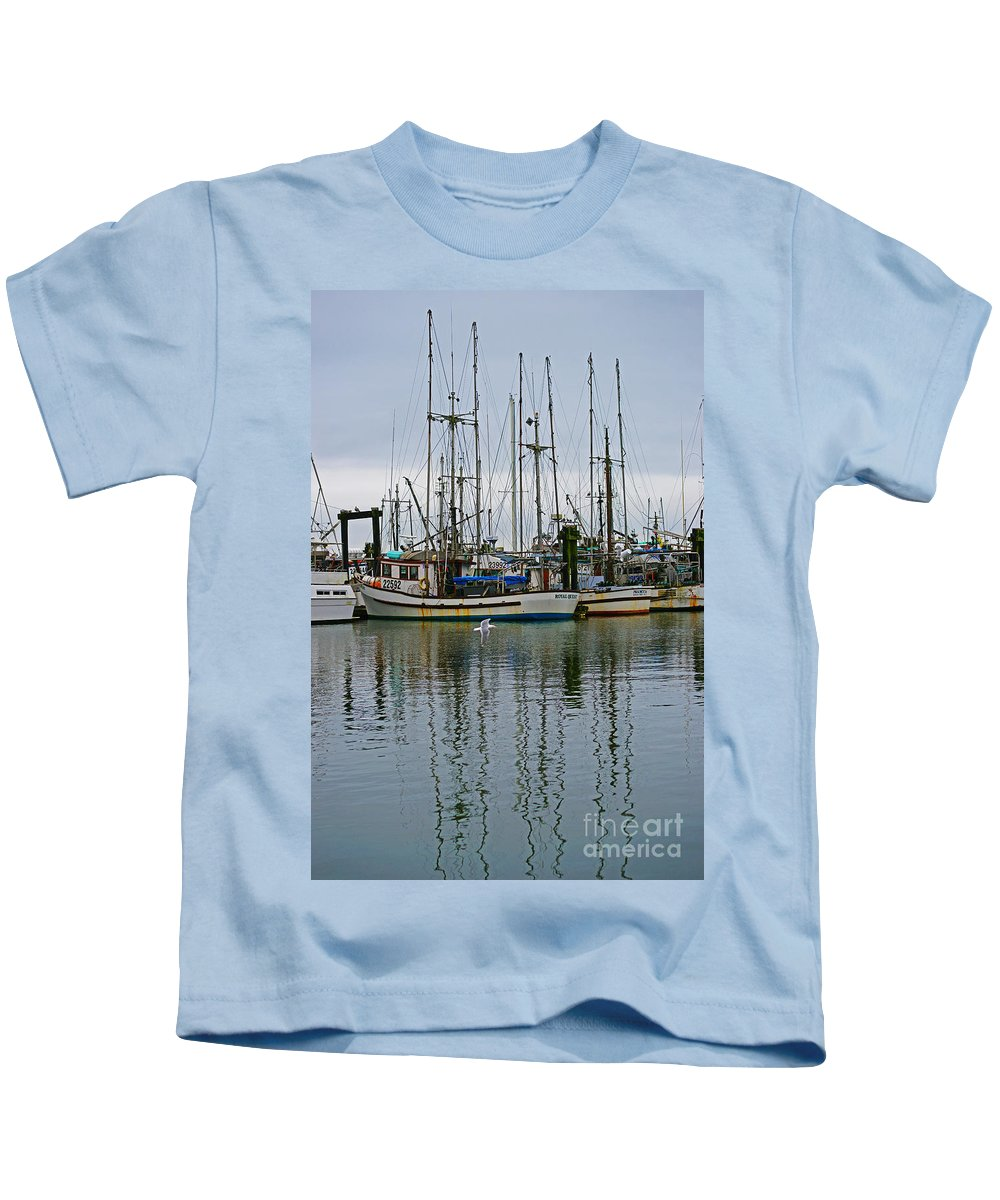 Fishing Boats Kids T-Shirt featuring the photograph Royal Quest by Randy Harris