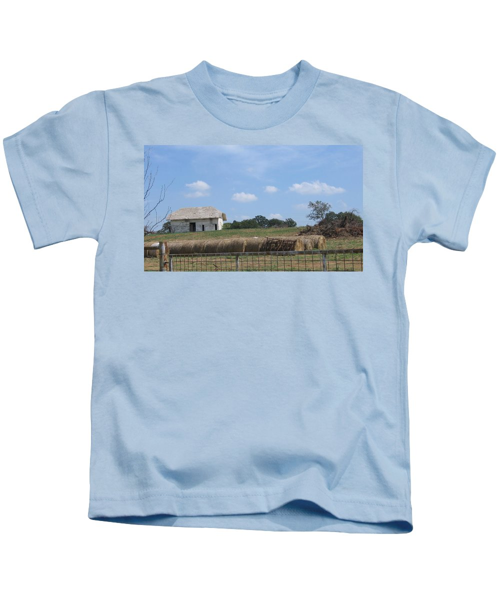 Farm Kids T-Shirt featuring the photograph White Barn by Amy Hosp