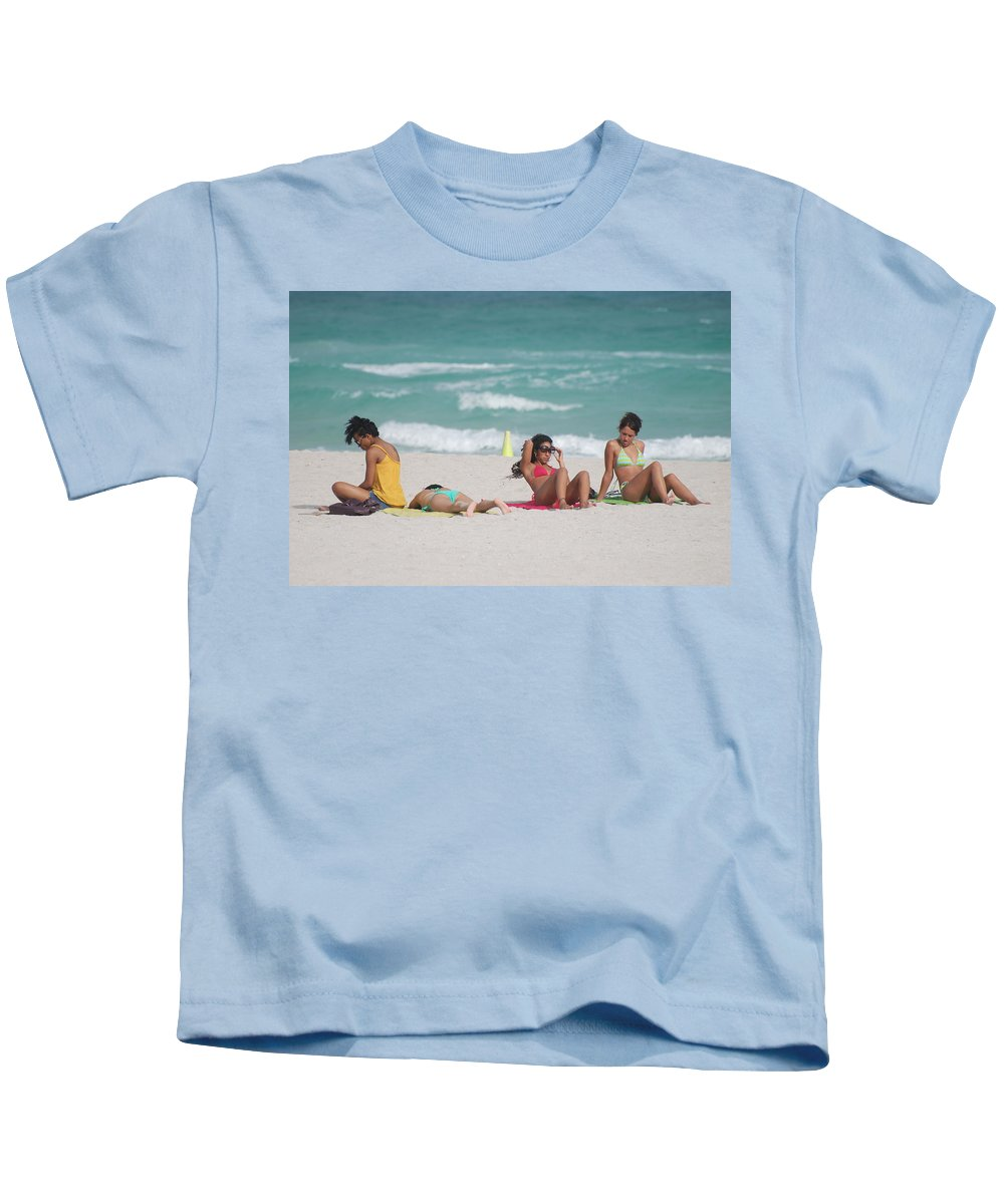 Sea Scape Kids T-Shirt featuring the photograph 3 Up 1 Down At The Beach by Rob Hans