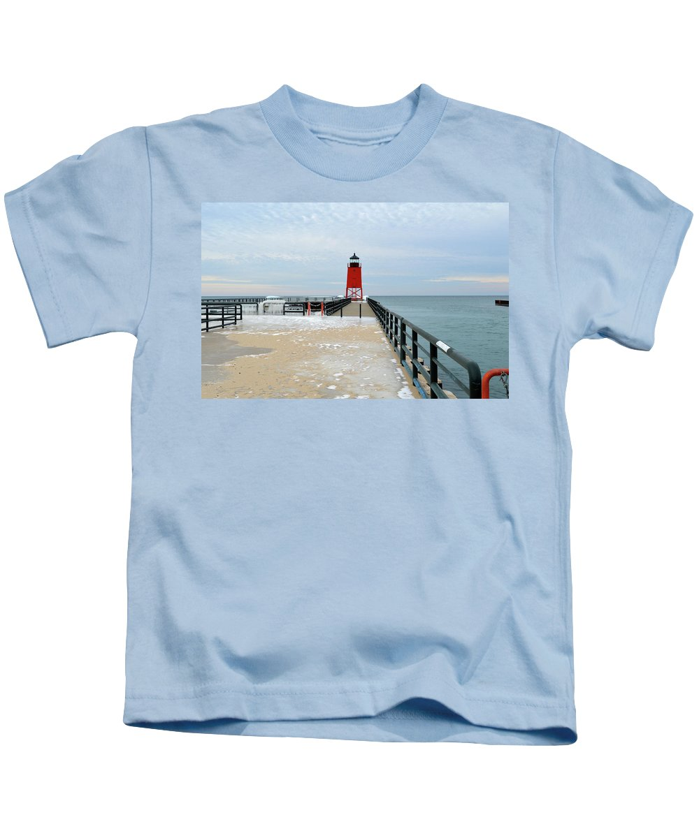 Charlevoix South Pier Lighthouse Kids T-Shirt featuring the photograph End Of The Pier by Linda Kerkau
