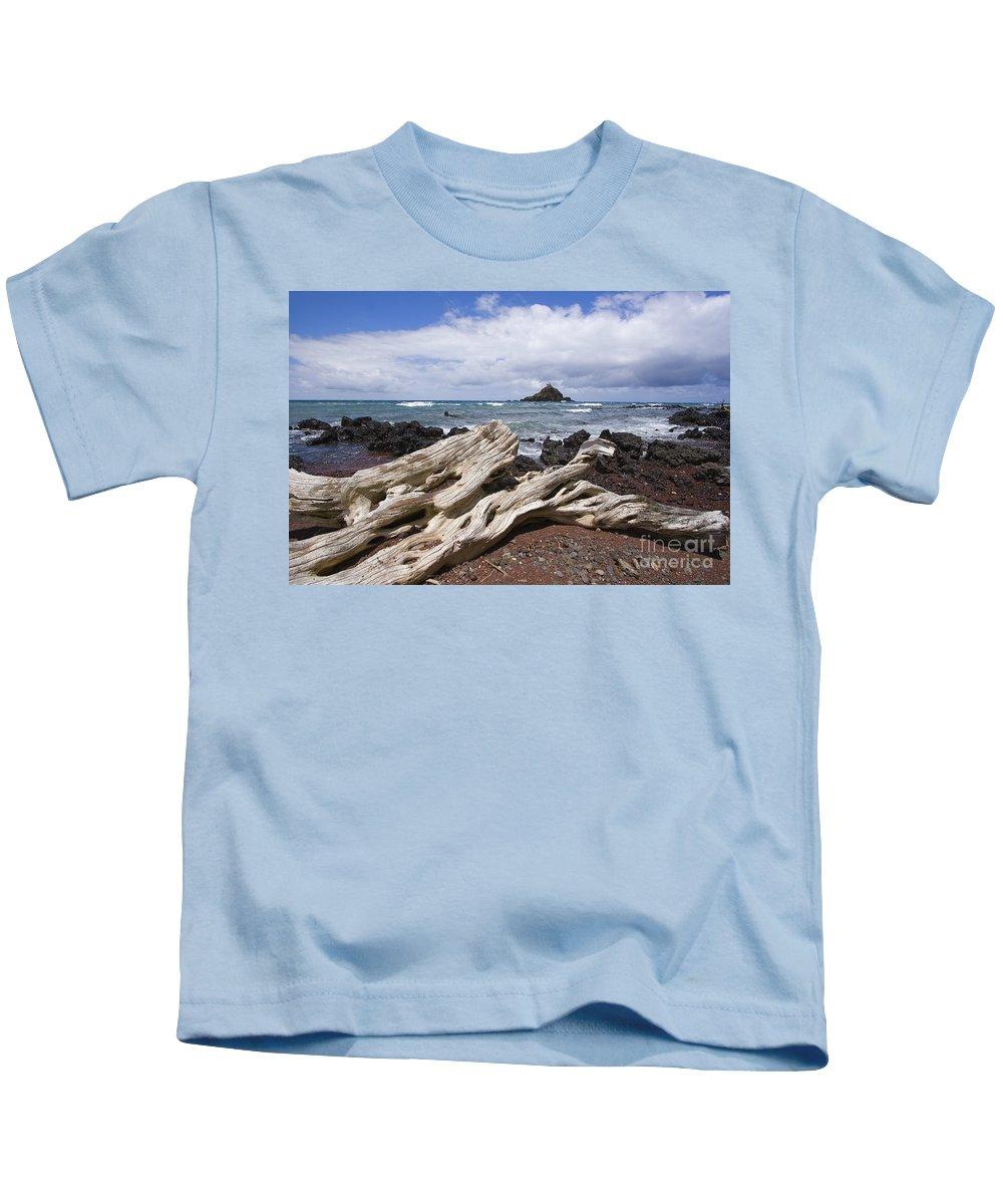 Alau Kids T-Shirt featuring the photograph Alau Islet, Driftwood by Ron Dahlquist - Printscapes