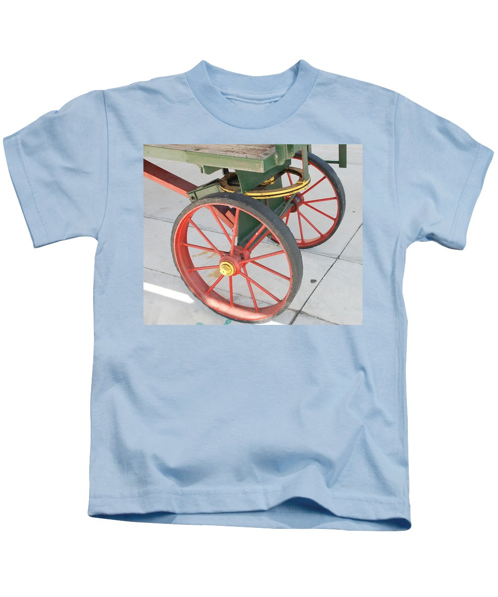 Baggage Cart Kids T-Shirt featuring the photograph Baggage Cart by Rob Hans