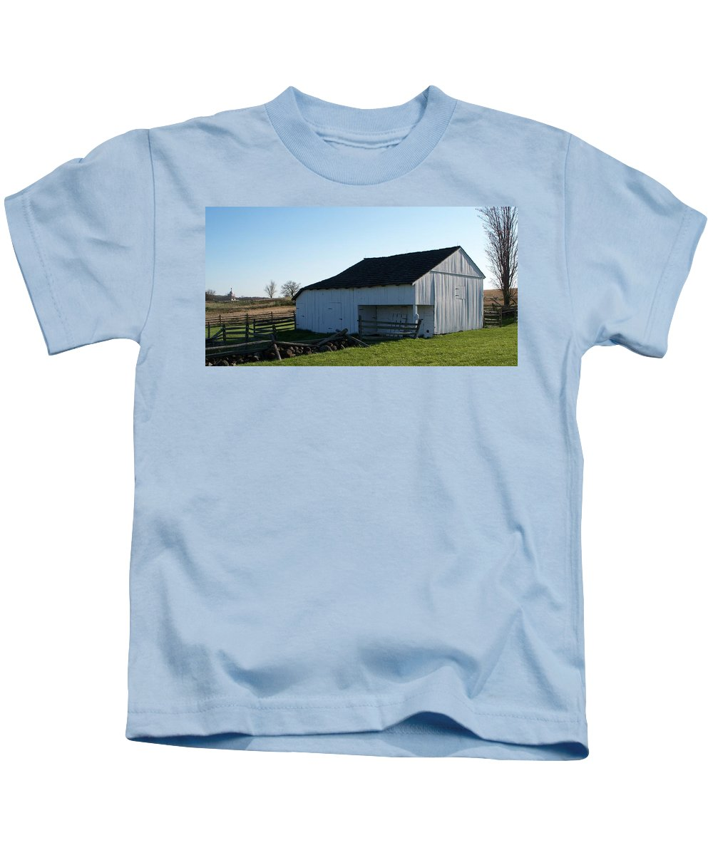 Barn Kids T-Shirt featuring the painting Barn Gettysburg Battle Field by Eric Schiabor