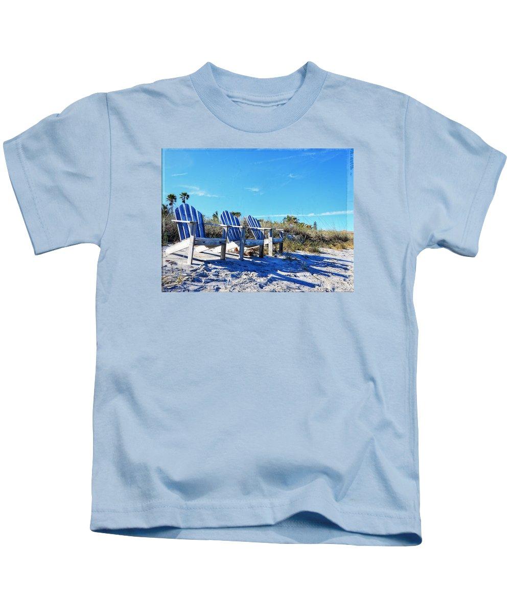 Blue Kids T-Shirt featuring the photograph Beach Art - Waiting For Friends - Sharon Cummings by Sharon Cummings