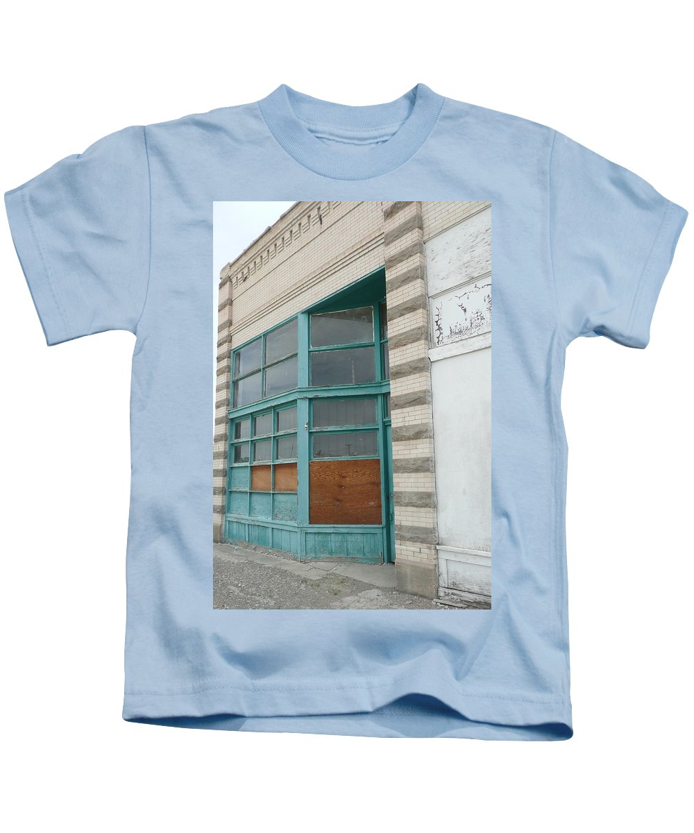 Building Kids T-Shirt featuring the photograph Blue Facade by Paul Hale