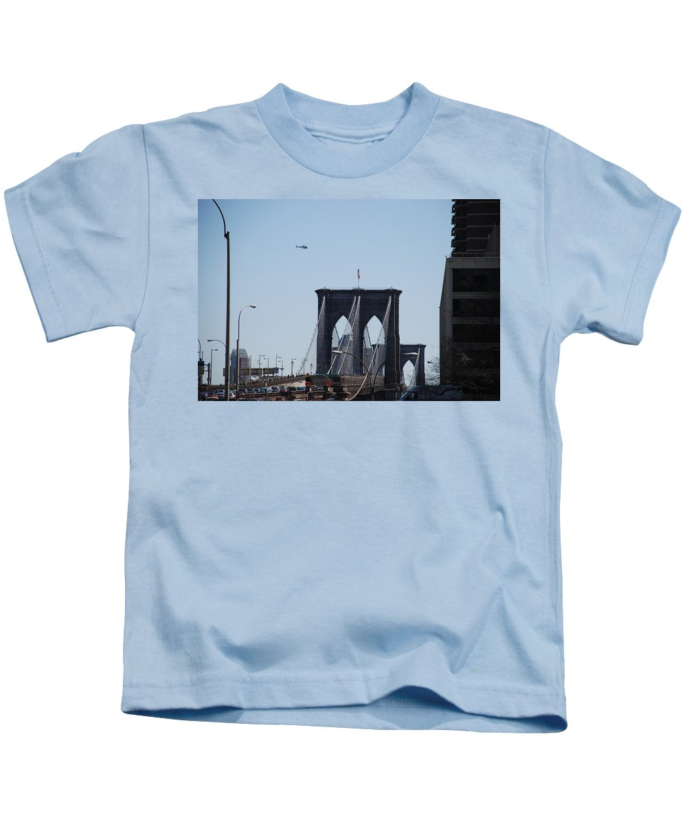 Architecture Kids T-Shirt featuring the photograph Brooklyn Bridge by Rob Hans