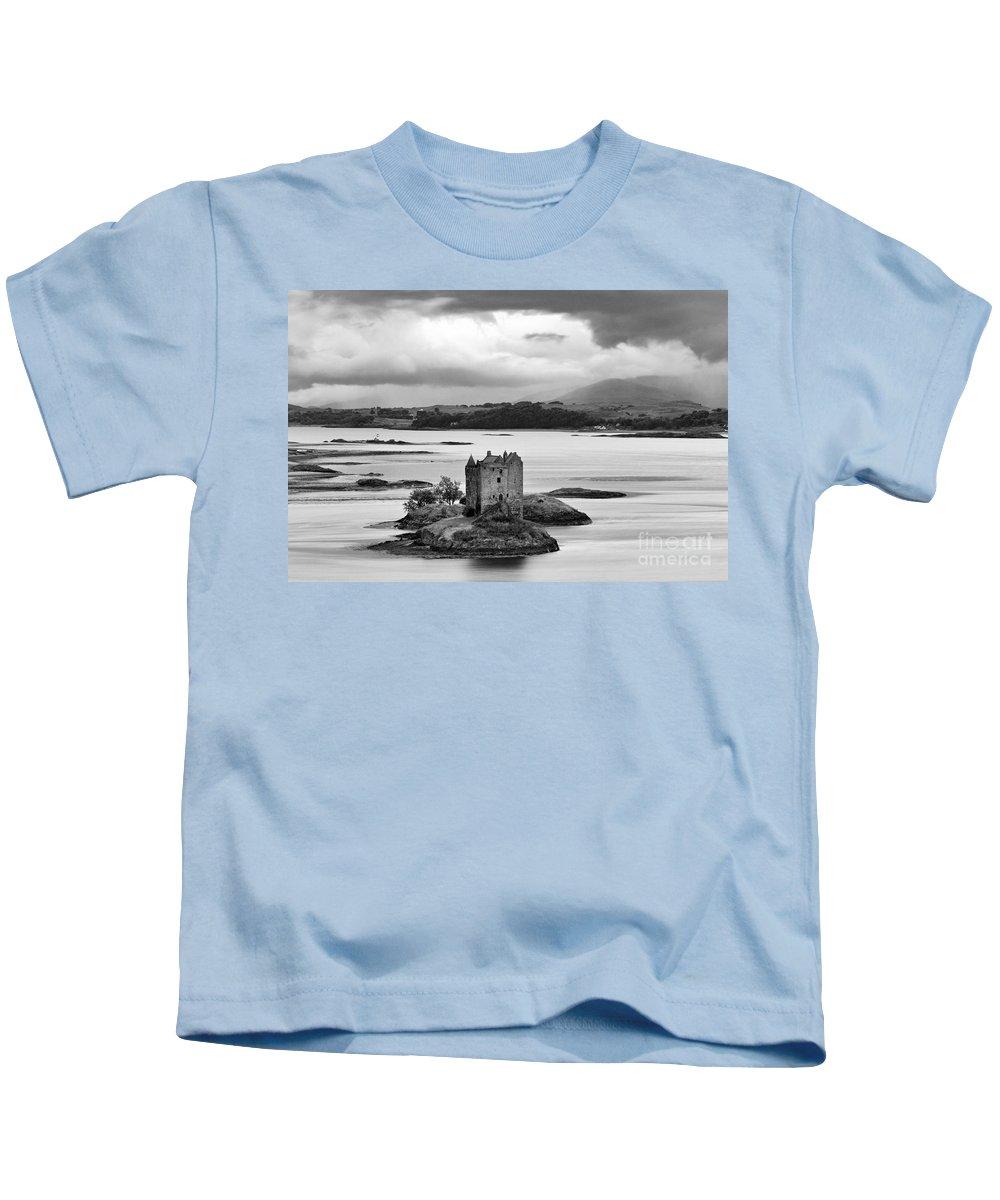 Black Kids T-Shirt featuring the photograph Castle Stalker - D002192bw by Daniel Dempster