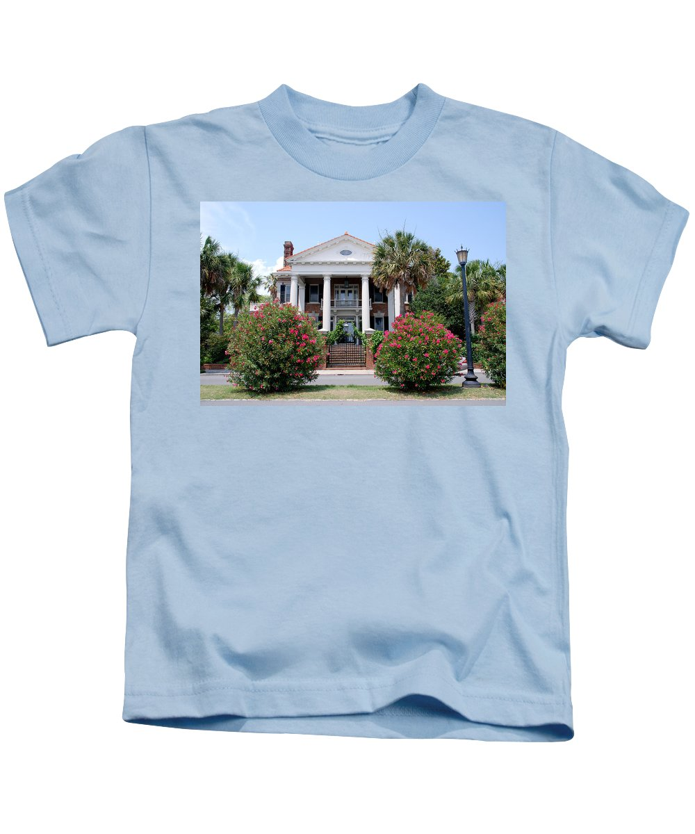 Photography Kids T-Shirt featuring the photograph Charleston At His Best by Susanne Van Hulst