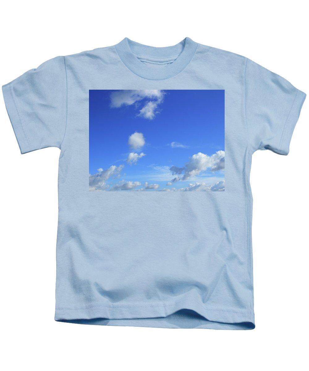 Cloud Kids T-Shirt featuring the photograph Cloud Of Z by Minori Koishi