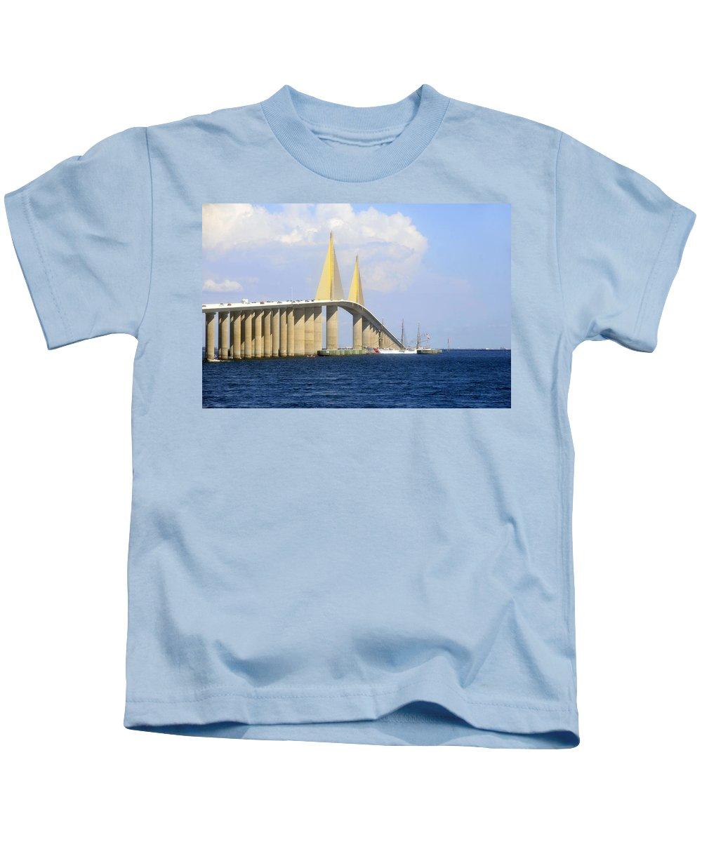 Sunshine Skyway Bridge Kids T-Shirt featuring the photograph Eagle Under The Sunshine by David Lee Thompson