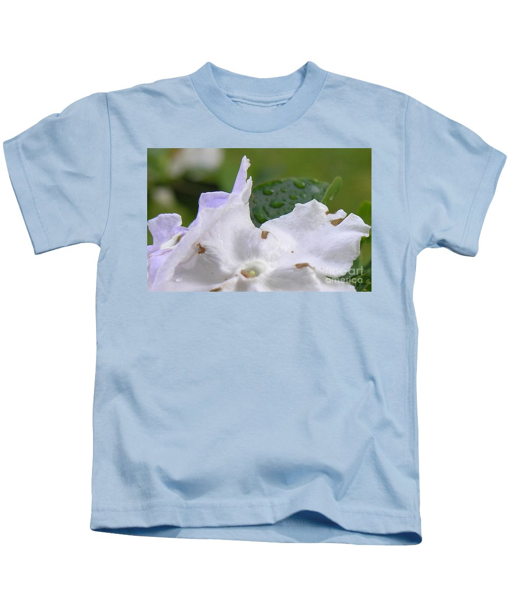 Flower Kids T-Shirt featuring the photograph Easter Surprise by Richard Rizzo