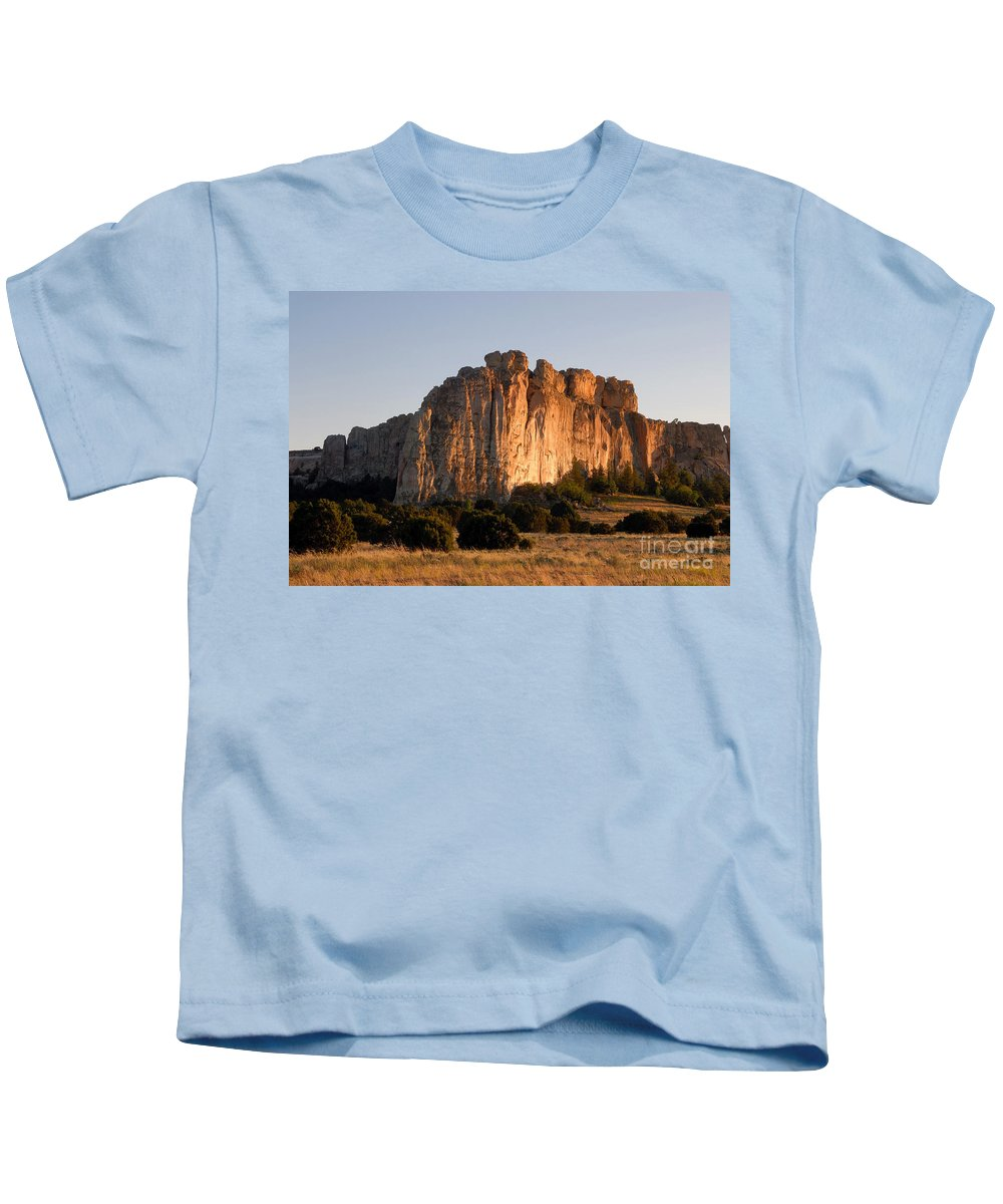 El Morro National Monument New Mexico Kids T-Shirt featuring the photograph El Morro by David Lee Thompson