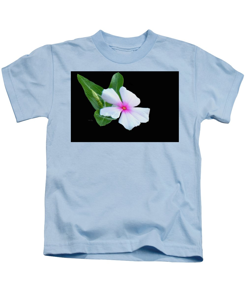 Digital Art Kids T-Shirt featuring the photograph Facing The Sun by Wild Thing