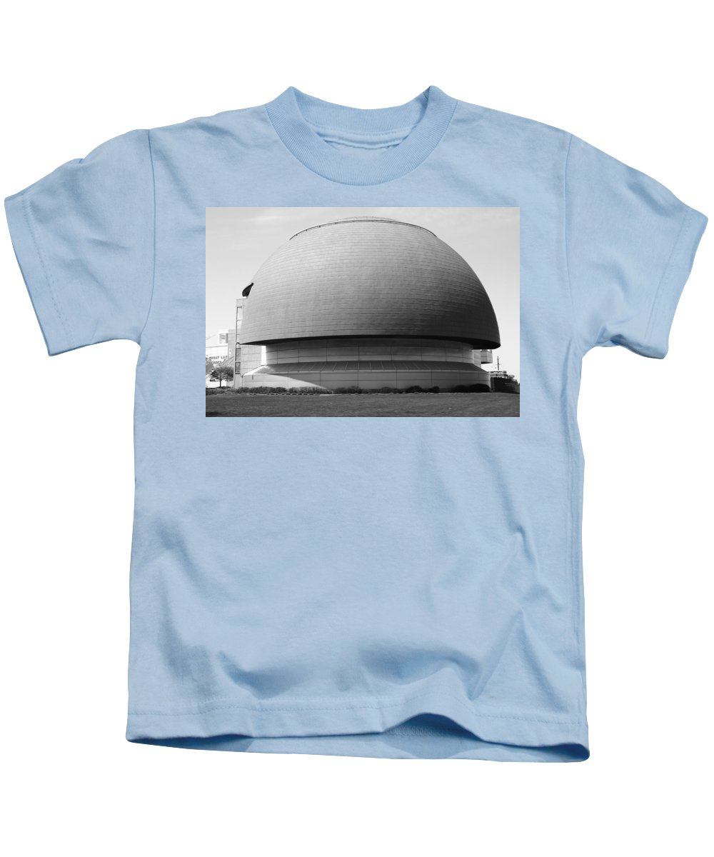 Great Lakes Science Center Kids T-Shirt featuring the photograph Great Lakes Science Center by Dan Sproul