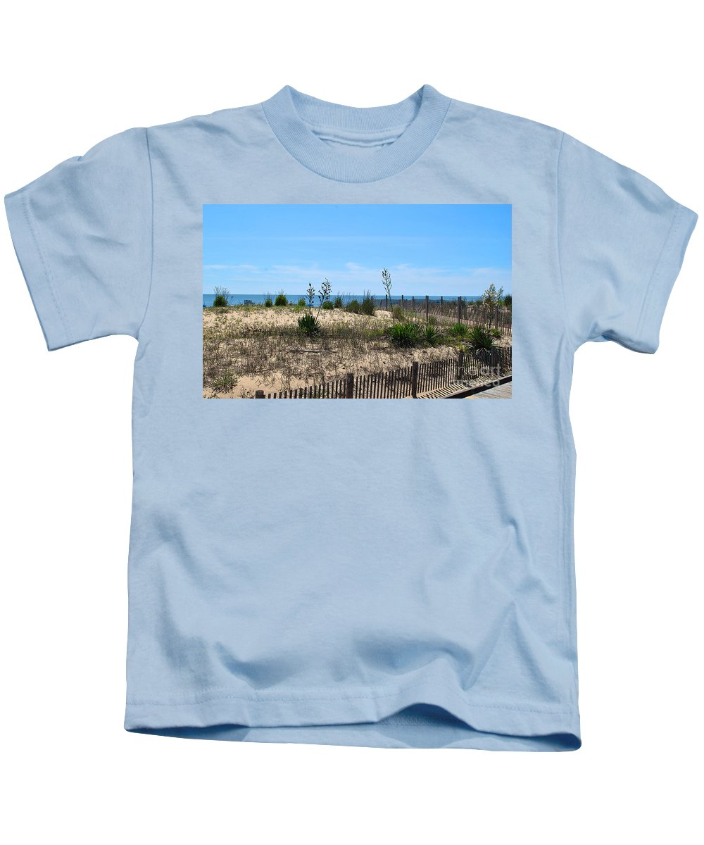 Rehoboth Kids T-Shirt featuring the photograph Growth Of The Sea by Jost Houk
