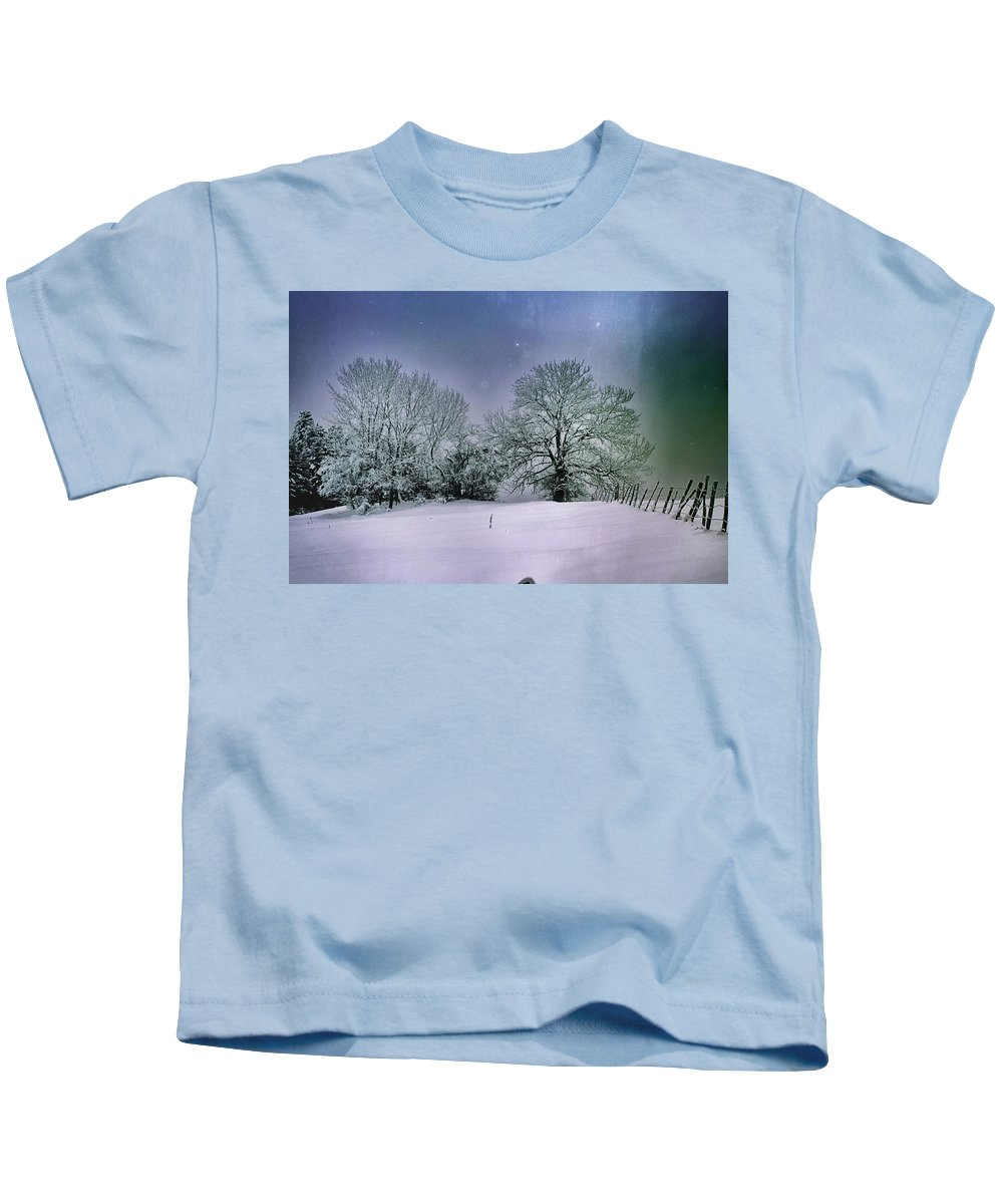 New Kids T-Shirt featuring the photograph Hiver by Soares Paulo