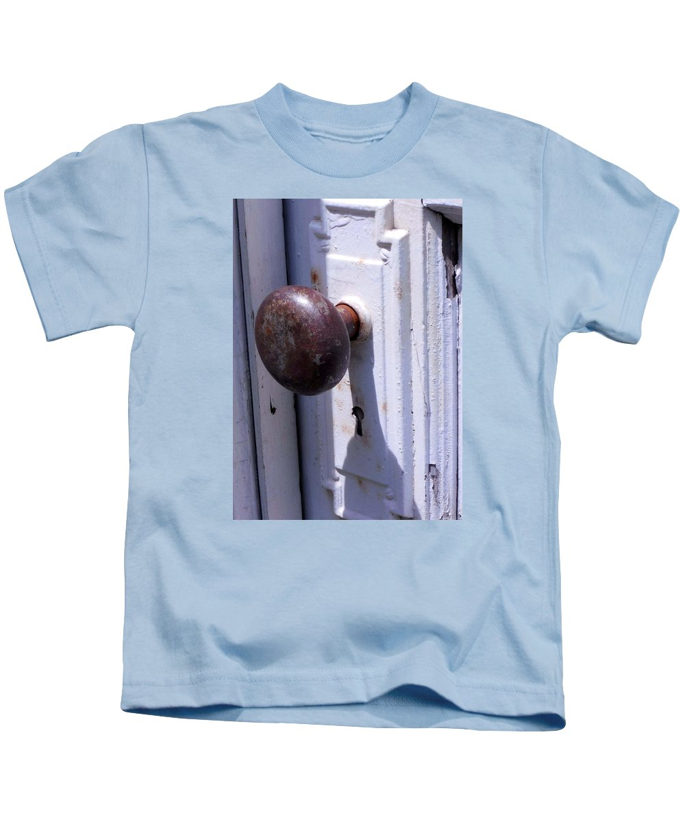 Old Wooden Door With Vintage Hardware. White Door Rusted Knob Kids T-Shirt featuring the photograph Keyhole by Steve Godleski