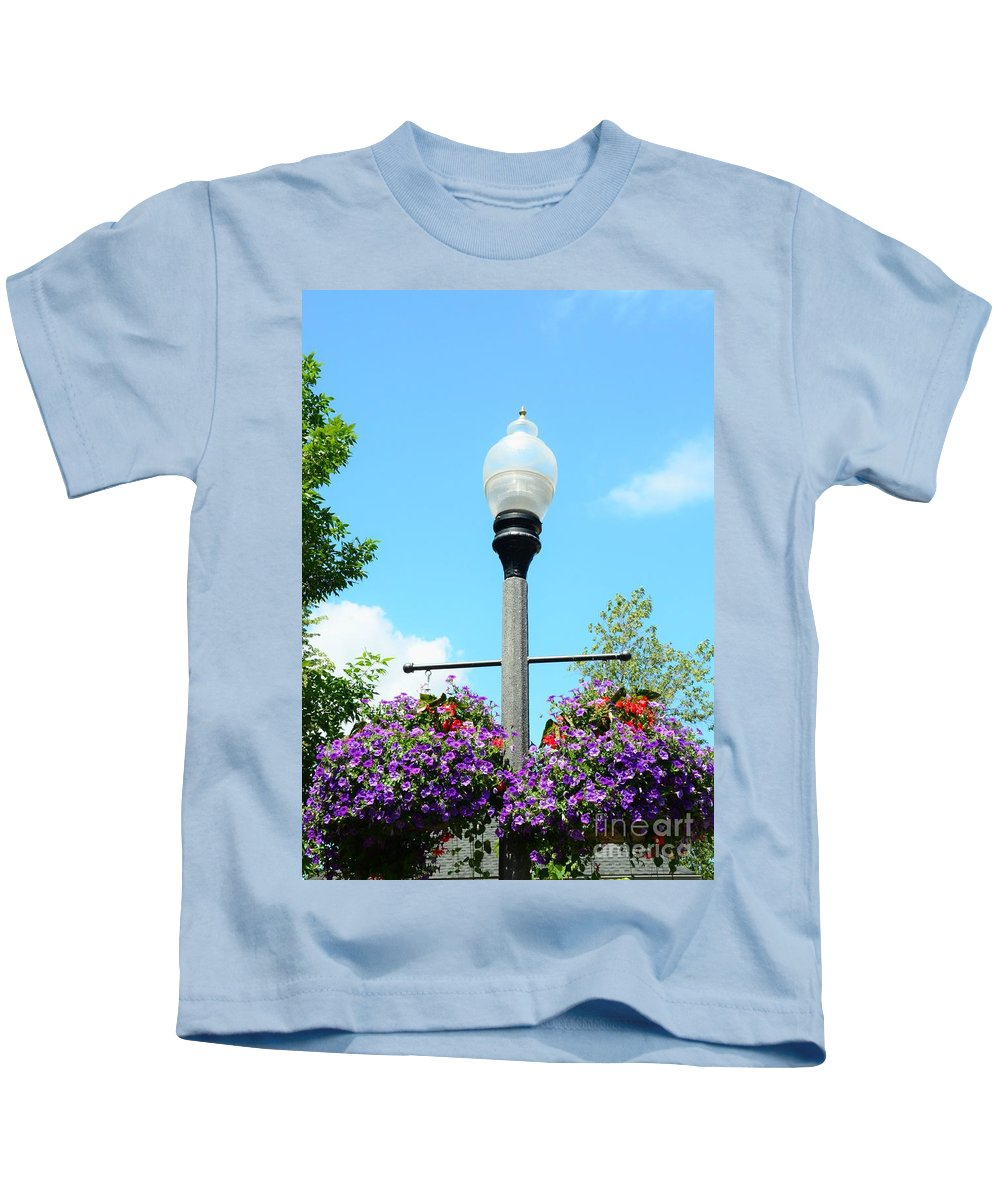 Lamp Kids T-Shirt featuring the photograph Lamp Post by Kathleen Struckle