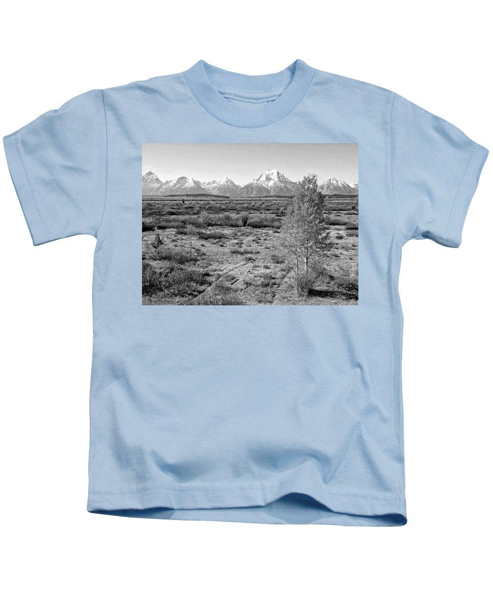 Landscape Kids T-Shirt featuring the photograph Montana Mountainscape by Lindy Pollard