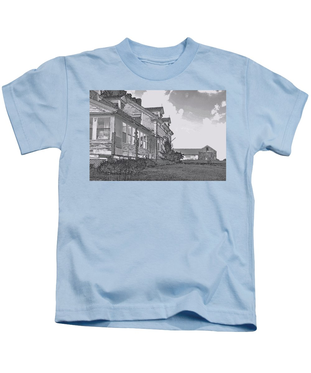 Abandoned Kids T-Shirt featuring the digital art Old Farm Black And White by William Lowe