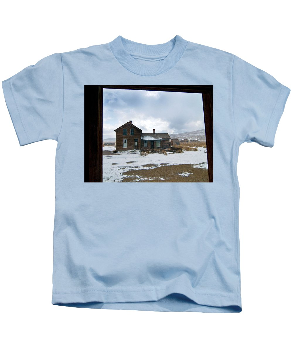 California Kids T-Shirt featuring the photograph Old House by Norman Andrus