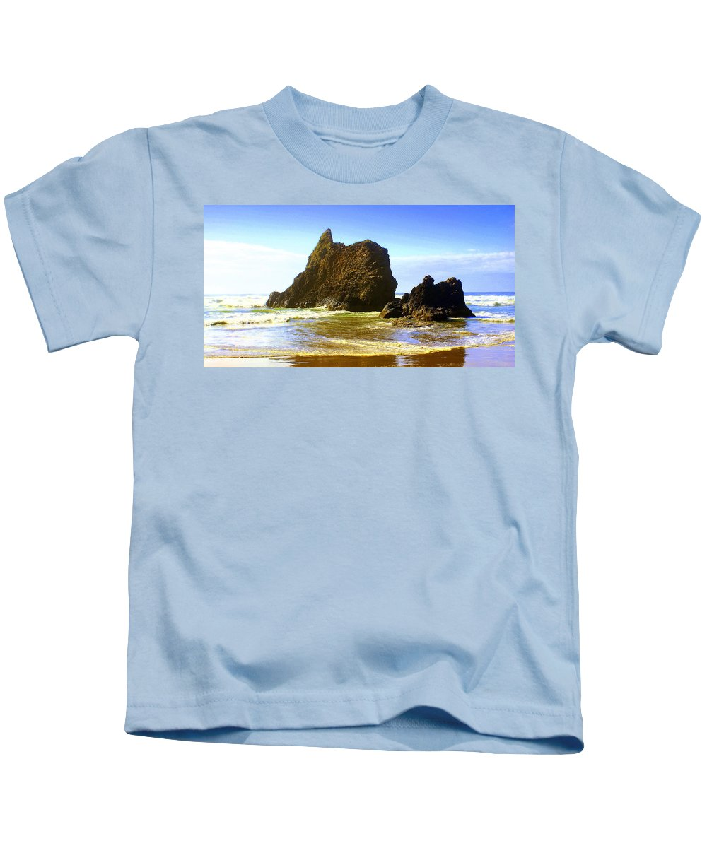 Ocean Kids T-Shirt featuring the photograph Oregon Coast 16 by Marty Koch