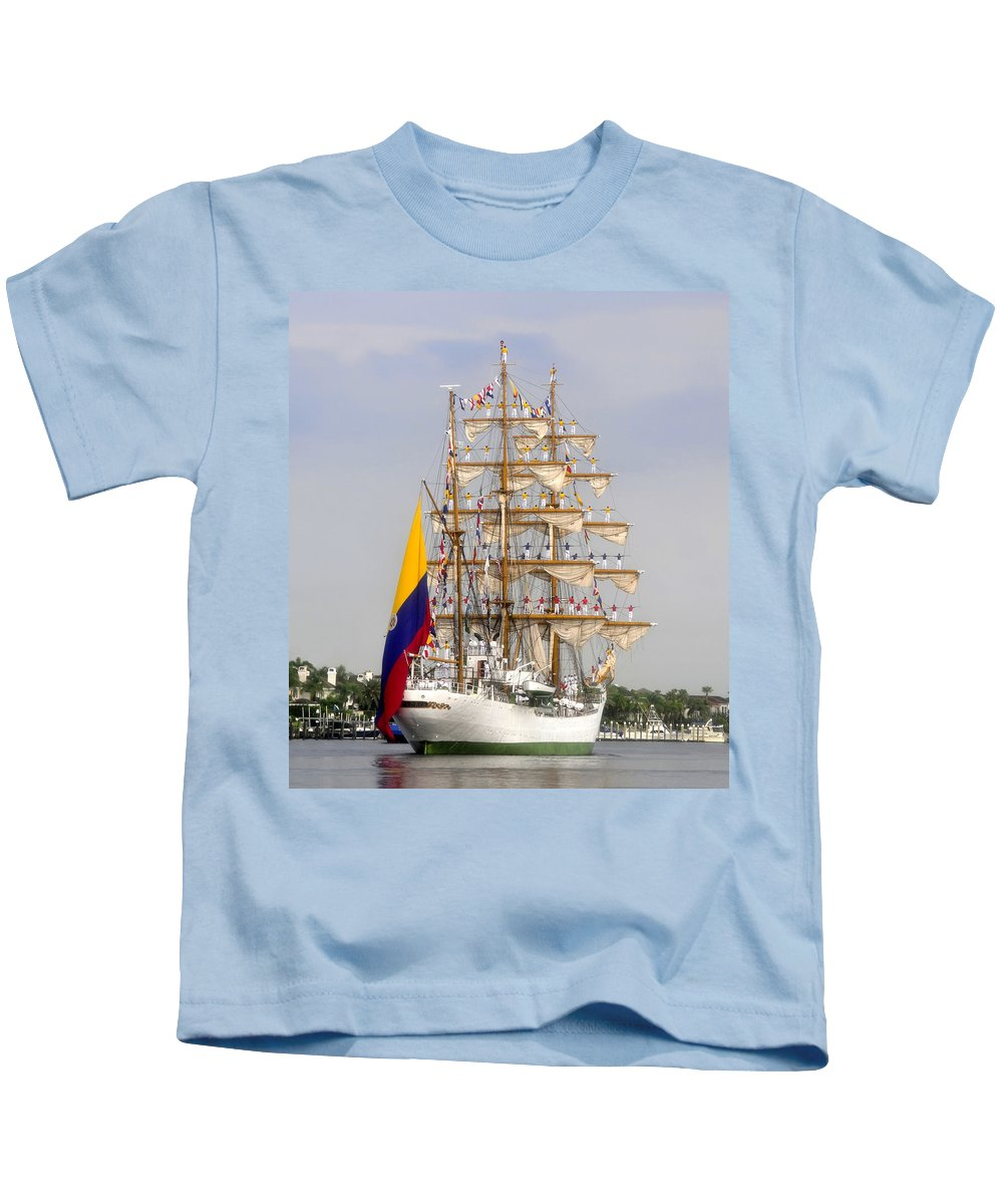 Columbia Kids T-Shirt featuring the photograph Pride Of Columbia by David Lee Thompson