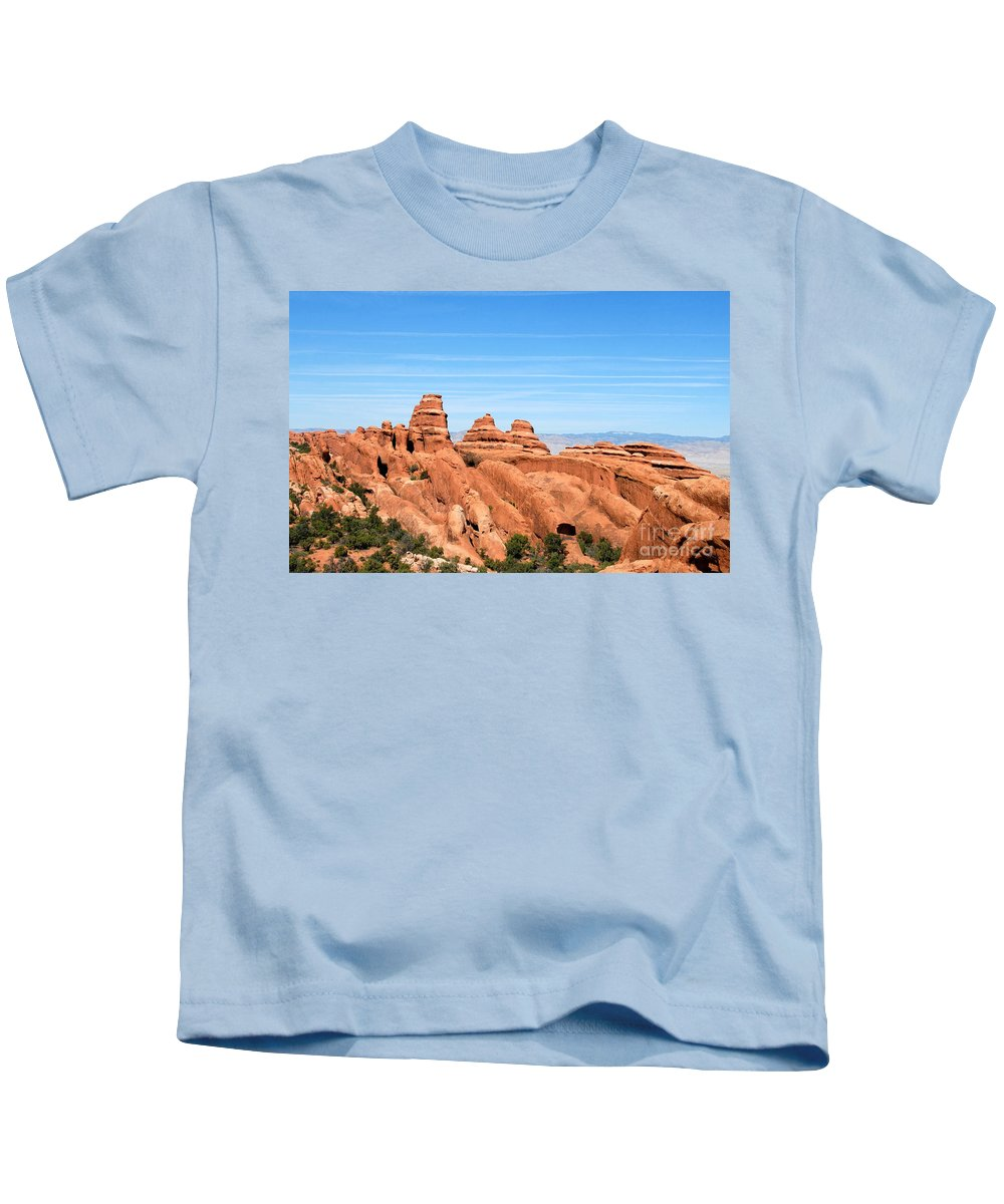 Utah Kids T-Shirt featuring the photograph Rocksky by David Lee Thompson