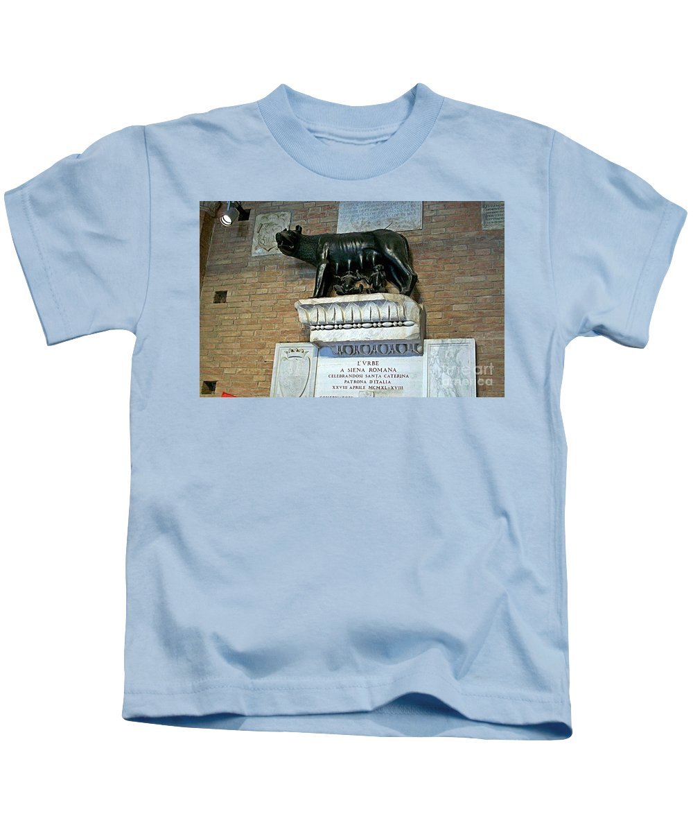 Siena Kids T-Shirt featuring the photograph Siena-39 by Rezzan Erguvan-Onal