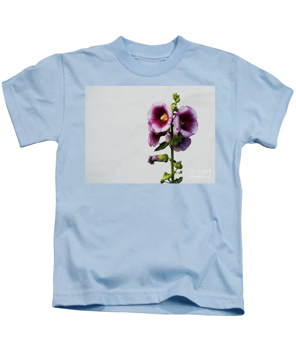 Flower Kids T-Shirt featuring the photograph Simply Stated by Linda Shafer