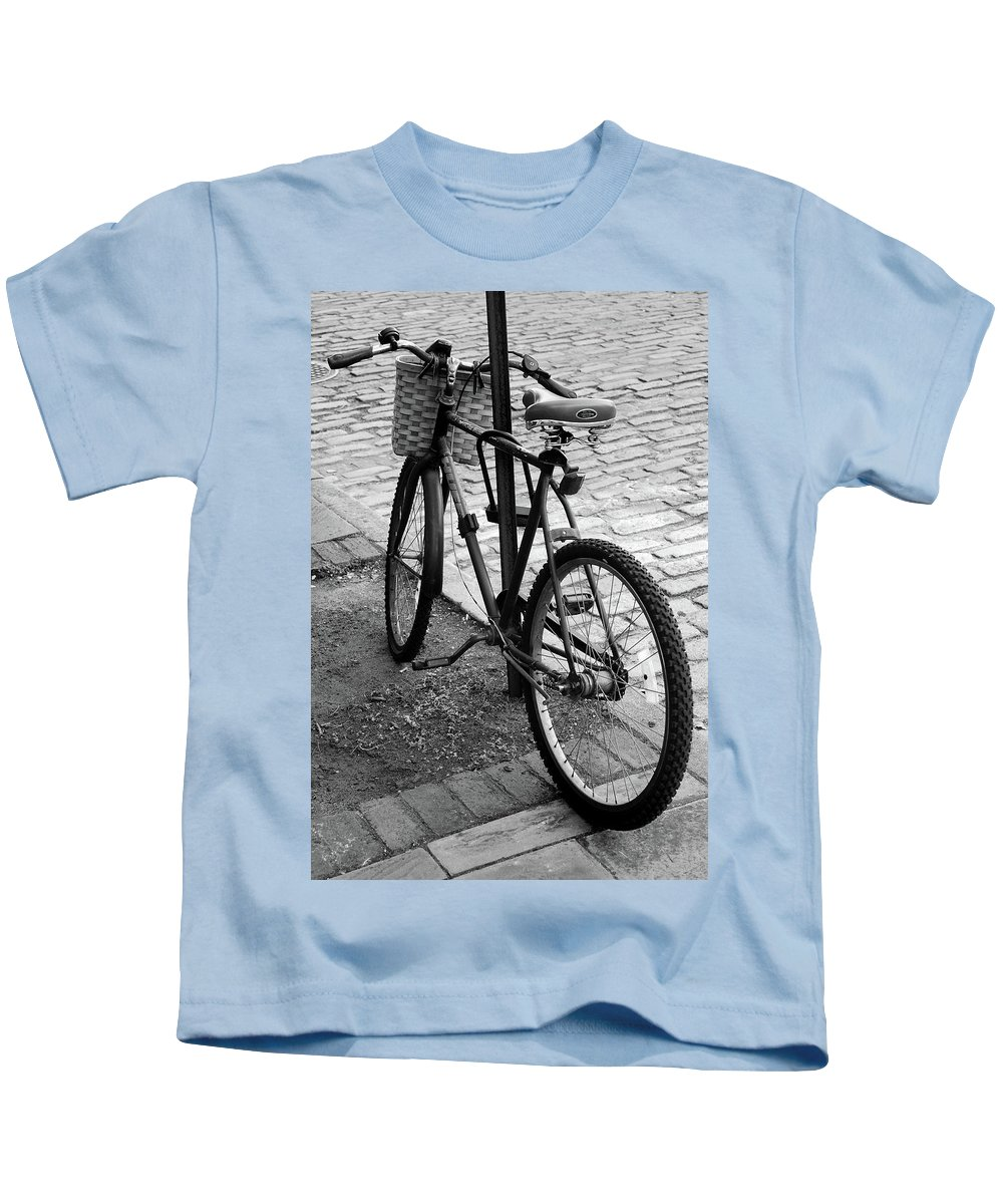 Bike Kids T-Shirt featuring the photograph Street Bike by Skip Willits