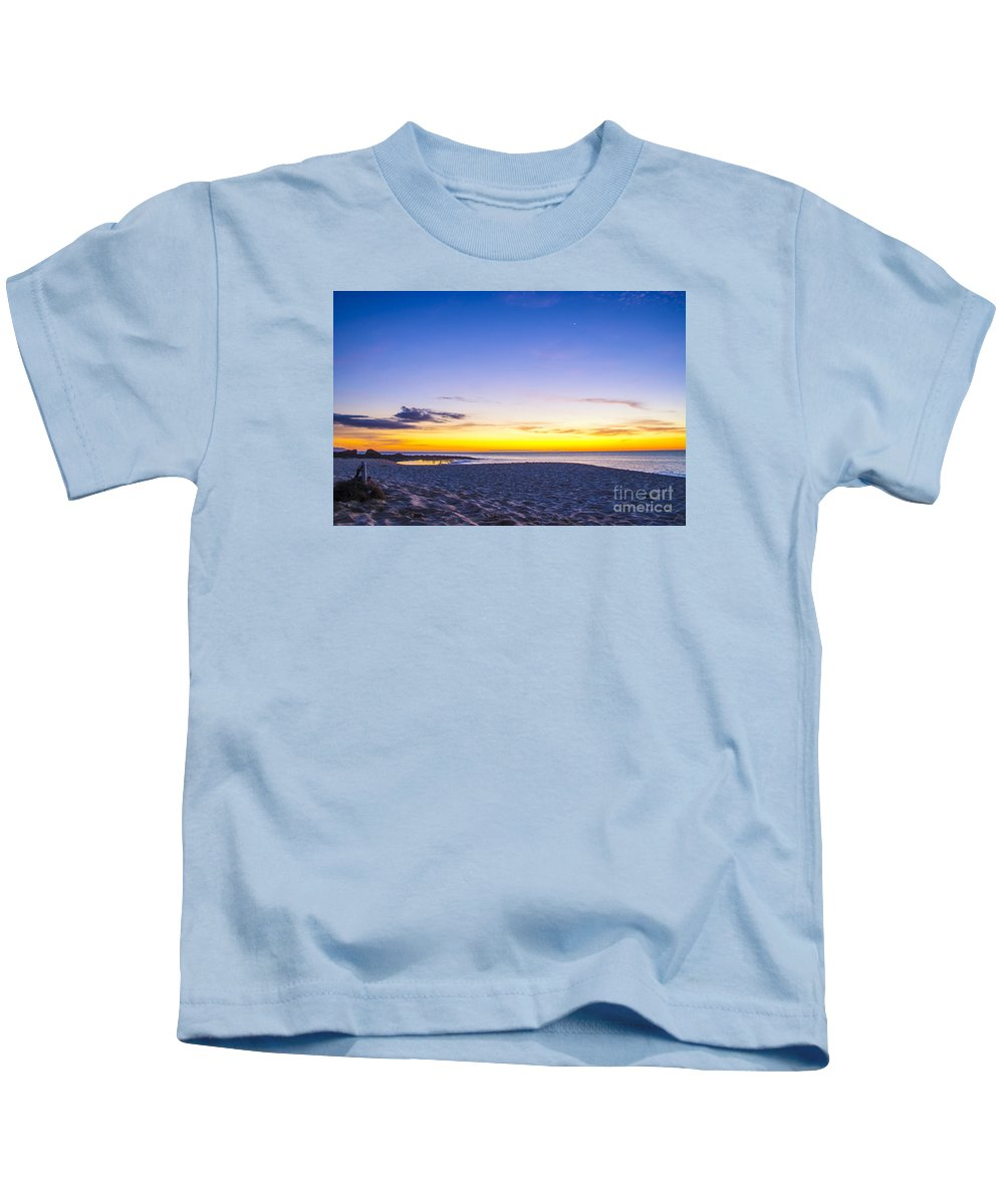 Hawaii Kids T-Shirt featuring the photograph Venus Setting Above Keiki Beach At Dusk by Gregory Schultz