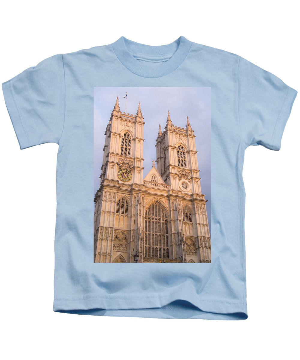 Kids T-Shirt featuring the photograph Westmintser Abbey by Jared Windler