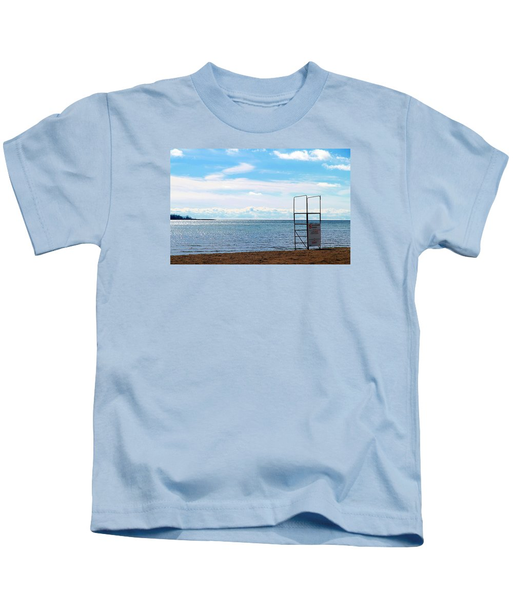 An Empty Beach In Toronto Kids T-Shirt featuring the photograph Winter Beach by Valentino Visentini