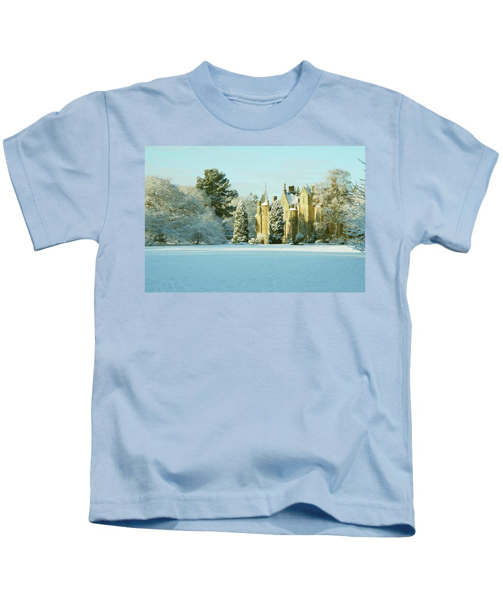Carberry Kids T-Shirt featuring the photograph Carberry Tower In Late Afternoon Sunshine by Victor Lord Denovan