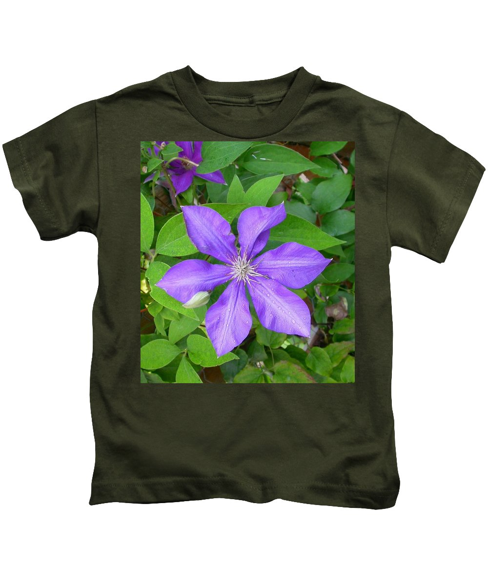 Clematis Greeting Card Kids T-Shirt featuring the photograph Ascotensis by Cynthia Wallentine