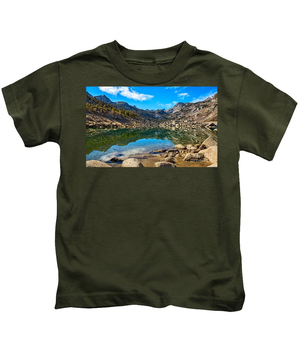 Lake Sabrina Kids T-Shirt featuring the photograph Lake Sabrina In Bishop Creek Canyon. by Jamie Pham