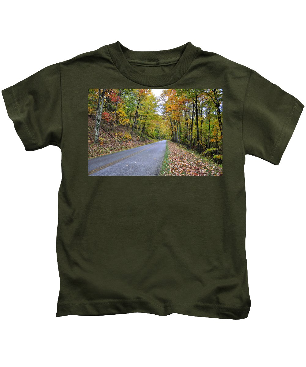 Parkway Kids T-Shirt featuring the photograph Parkway by Todd Hostetter