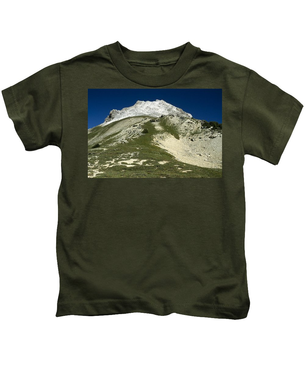 Americas Kids T-Shirt featuring the photograph Kindersley Pass by Roderick Bley