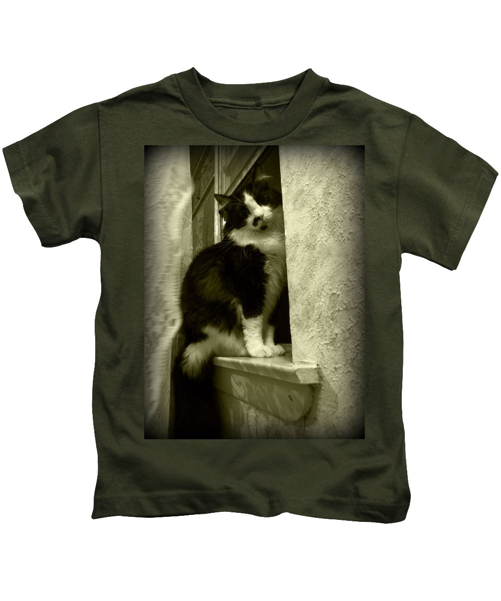 Feline Kids T-Shirt featuring the photograph 2986 by Onyx Armstrong