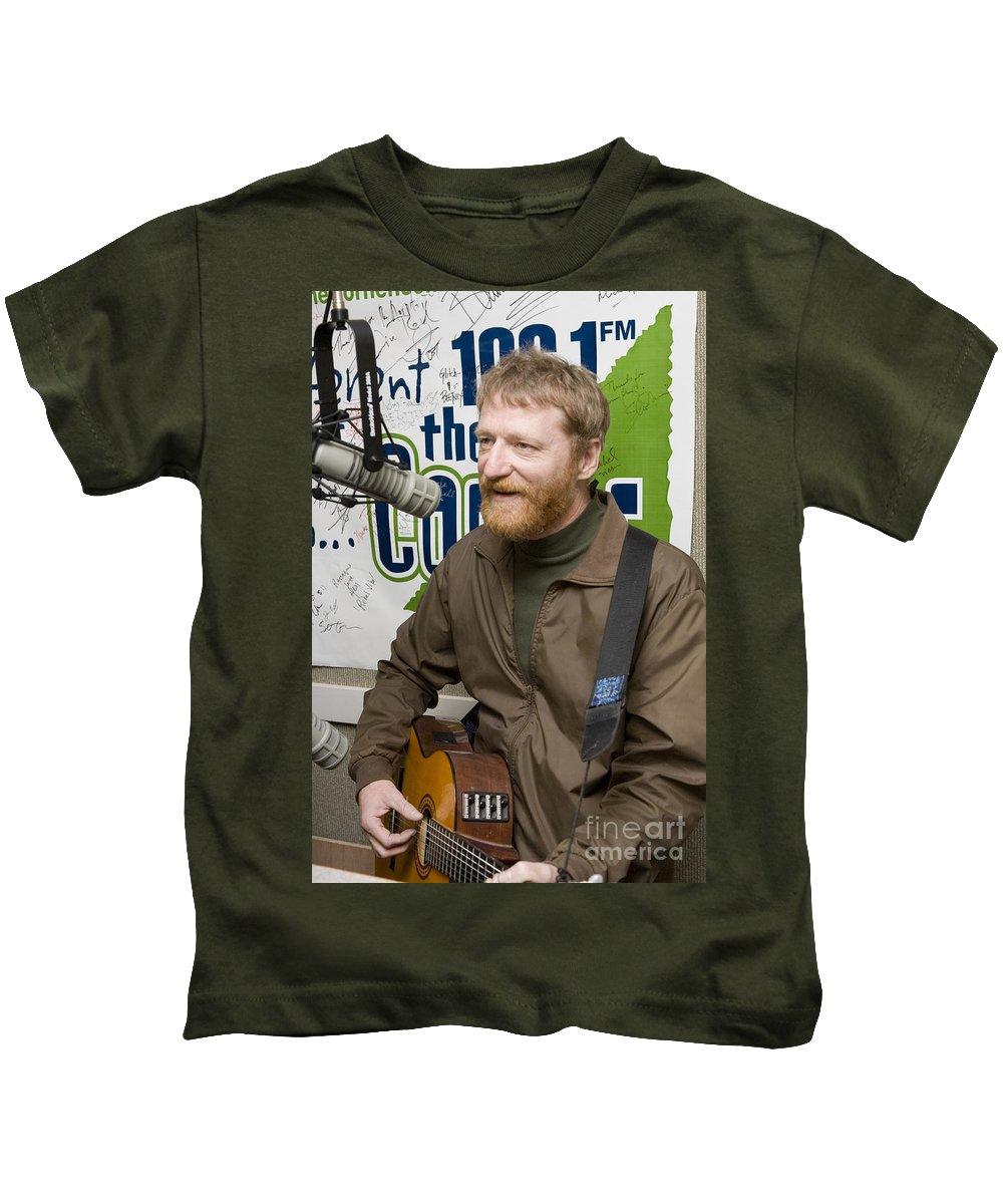 David Lowery Kids T-Shirt featuring the photograph David Lowery Of Cracker by Jason O Watson
