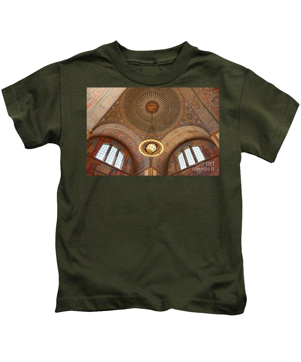 Central Library Kids T-Shirt featuring the photograph Los Angeles Central Library. by Jamie Pham