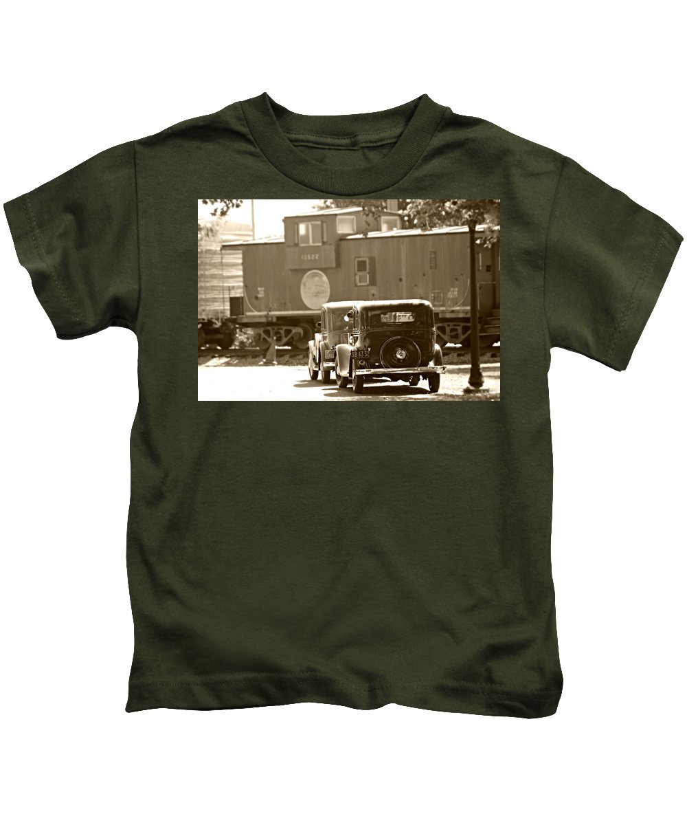 Train Kids T-Shirt featuring the photograph A Vintage View by Steve Natale