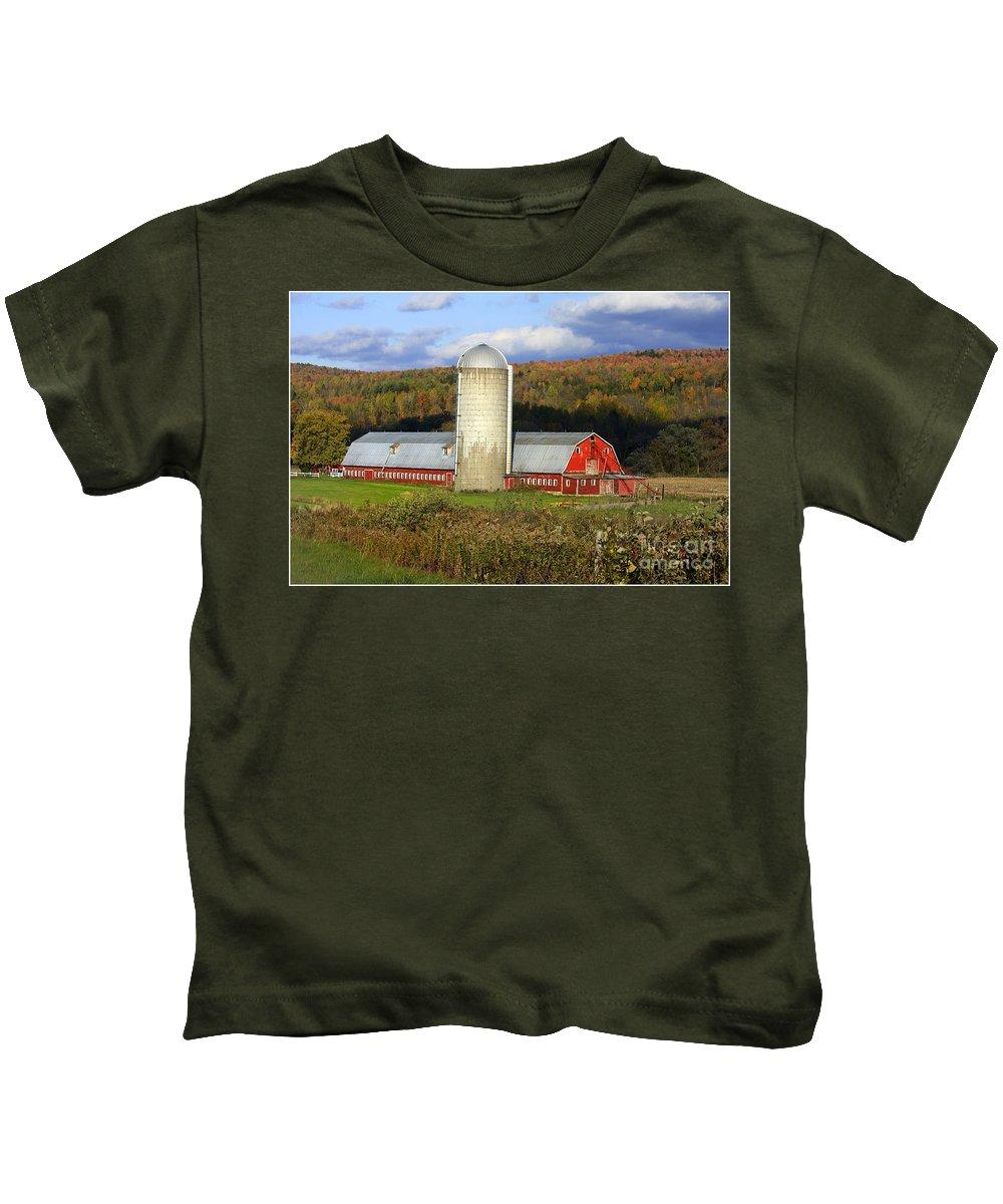 Landscape Kids T-Shirt featuring the photograph Barn On The River Rd. by Deborah Benoit