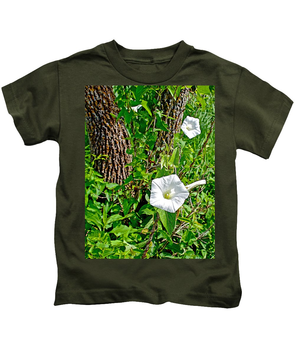 Bindweed In Pipestone National Monument Kids T-Shirt featuring the photograph Bindweed In Pipestone National Monument-minnesota by Ruth Hager