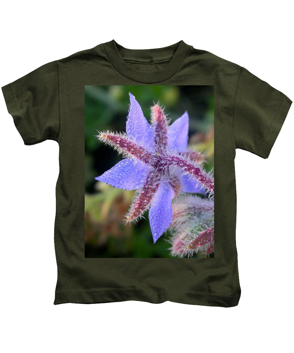 Borage Photograph Kids T-Shirt featuring the photograph Borage Droplets by Cynthia Wallentine