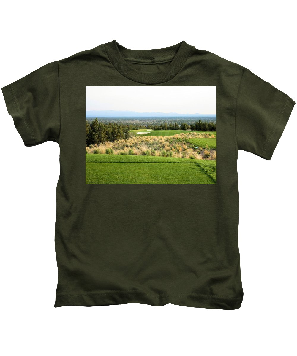 Image Picture Photo Photograph Brasada Ranch Oregon Central High Desert Par Four 4 Hole Number Seventeen 17 Bunkers Mountains Sisters Cascades Snow Capped Trees Pin Flag Peaks Scrub Brush Pines Pacific Northwest Canyons Kids T-Shirt featuring the photograph Brasada Canyons Hole #17 by Scott Carda