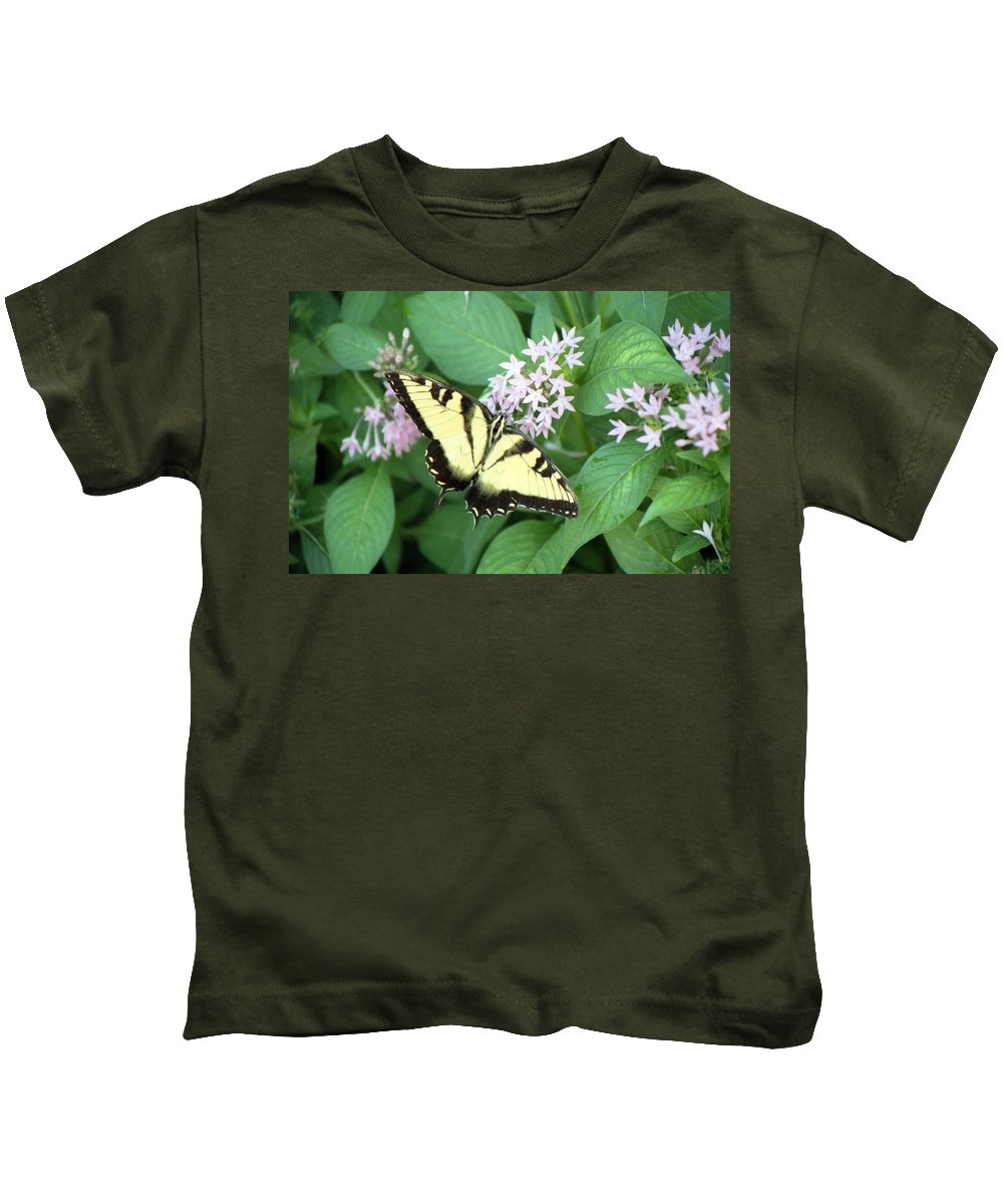 Butterfly Kids T-Shirt featuring the photograph Butterfly - Swallowtail by Pamela Critchlow