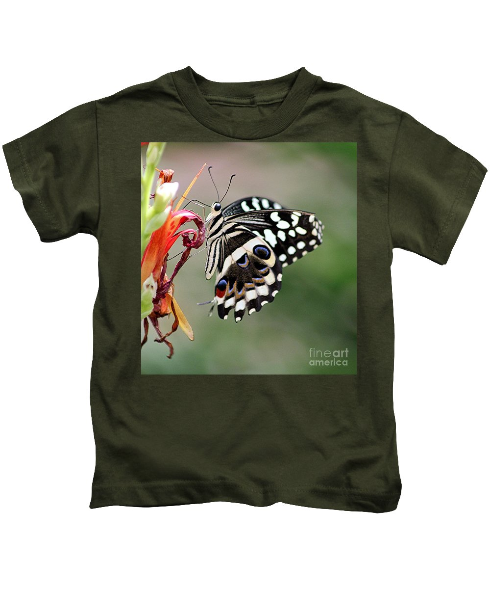 Butterfly Kids T-Shirt featuring the photograph Butterly by Diane Greco-Lesser